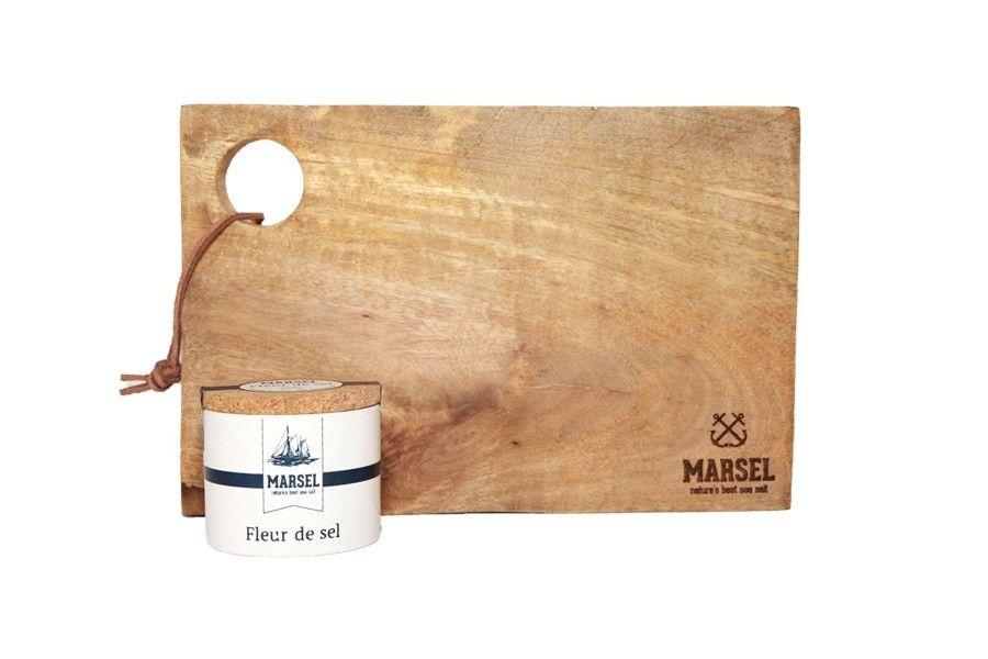 Houten serveerplank + Fleur de sel keramieken pot